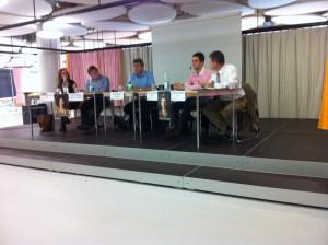 Berufsfachschule Gesundheit BL mit Julia Baumgärtner (Juso), Victor Bärtig (jgb), Urs Buess (Moderation), Florian Sennhauser (jungfreisinnige), Patrick Schläfli (SVP)